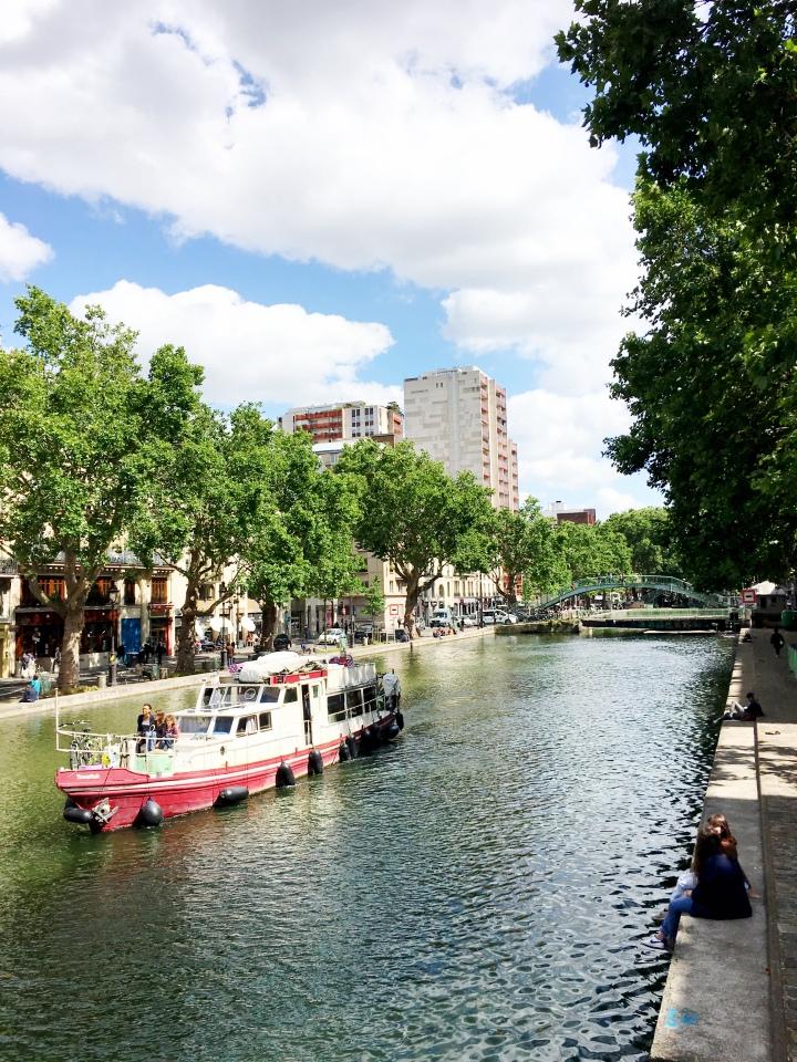 CanalStMartin_ParisFrance_bateau