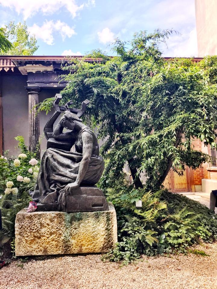 Musee Bourdelle gardens 2