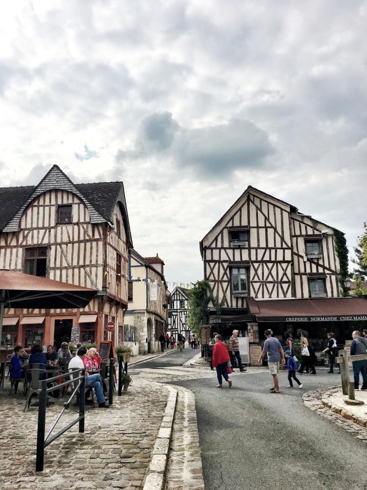 Provins France Place du Chatel