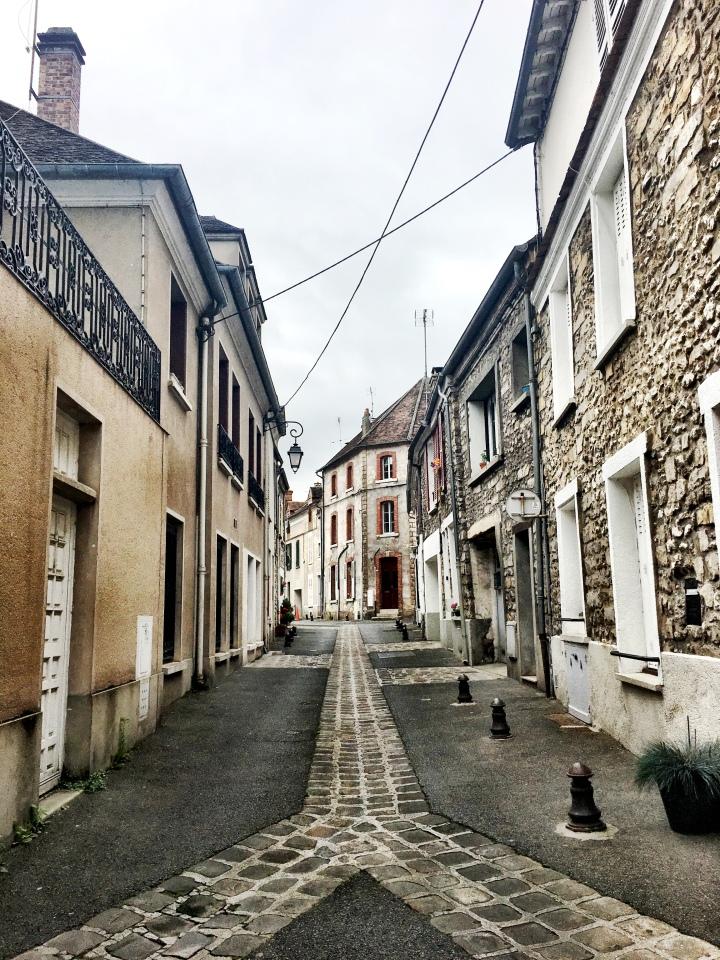Moret-sur-Loing street
