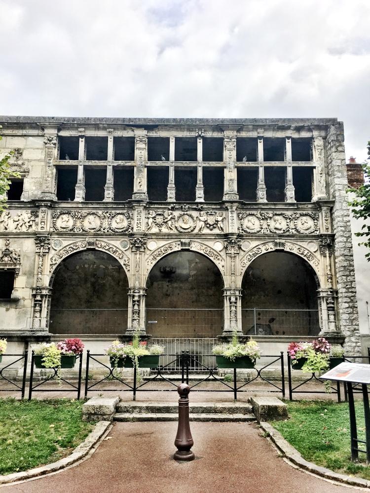 Mairie de Moret-sur-Loing Francois Premier building