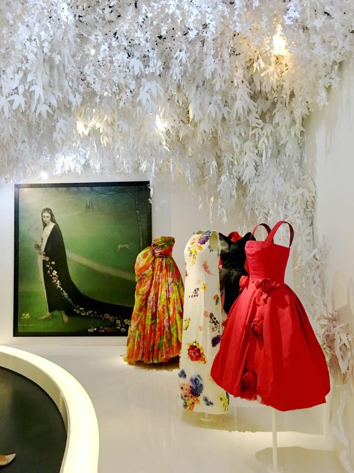 Dior Exhibit Musee des Arts Decoratifs