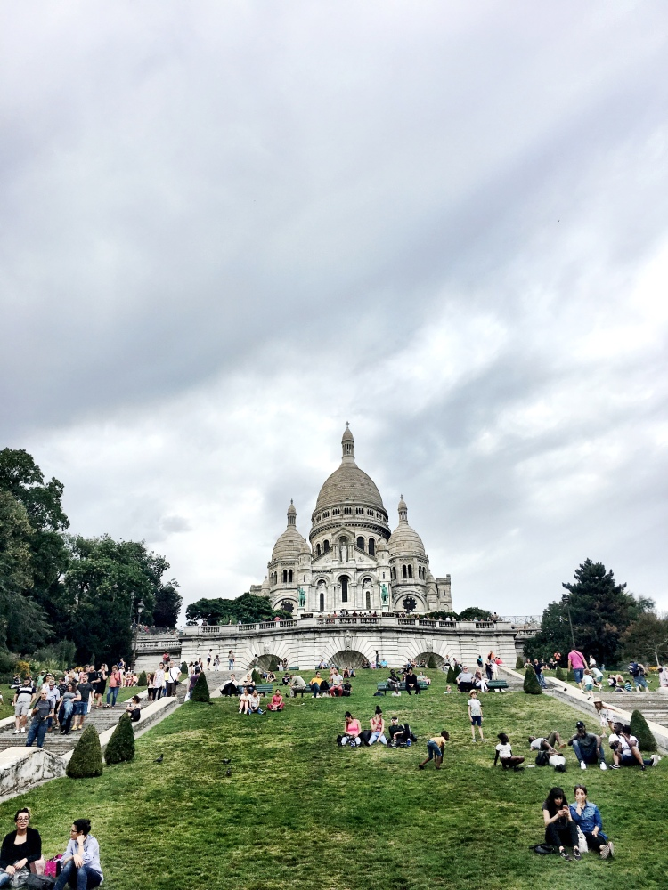 Square Louis Michel Sacré Cœur Basilica