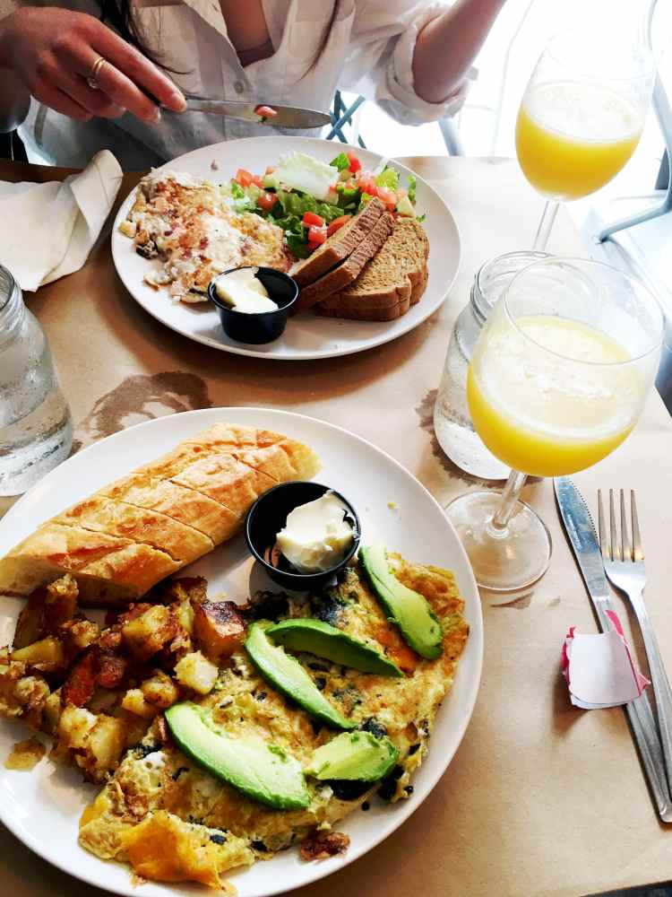 brunch at Effy's Harlem