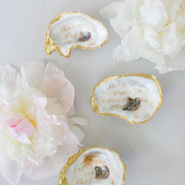 writeprettyforme painted oyster shell